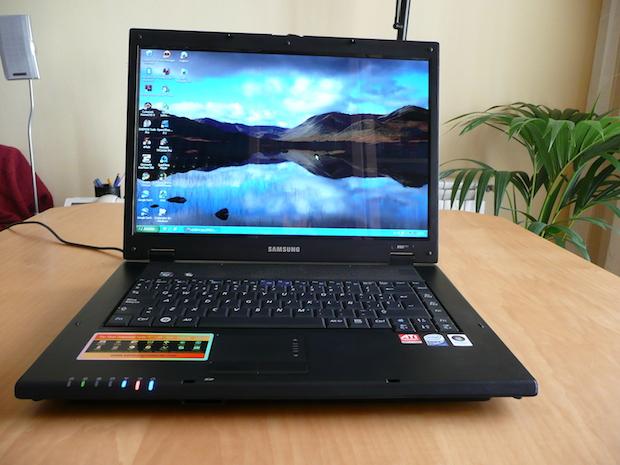 samsung_R60plus_se_reinicia-donderepararportatil.com
