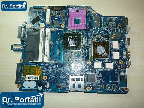 sony_vaio_VGN-FZ21Z_PCG-391_placa_base_falla_vga_bisagra-donderepararportatil.com
